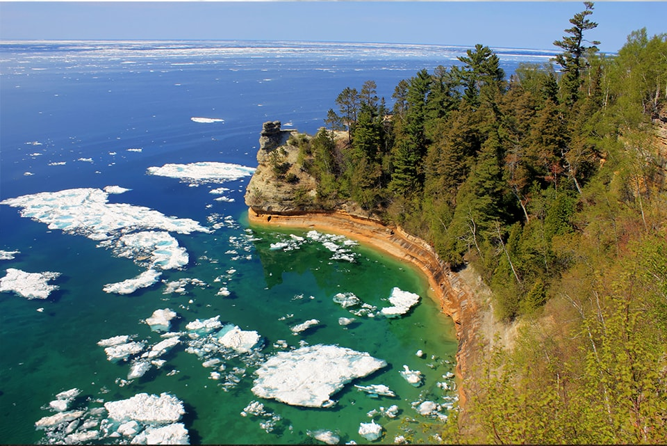 3 Reasons to Hike Pictured Rocks National Lakeshore